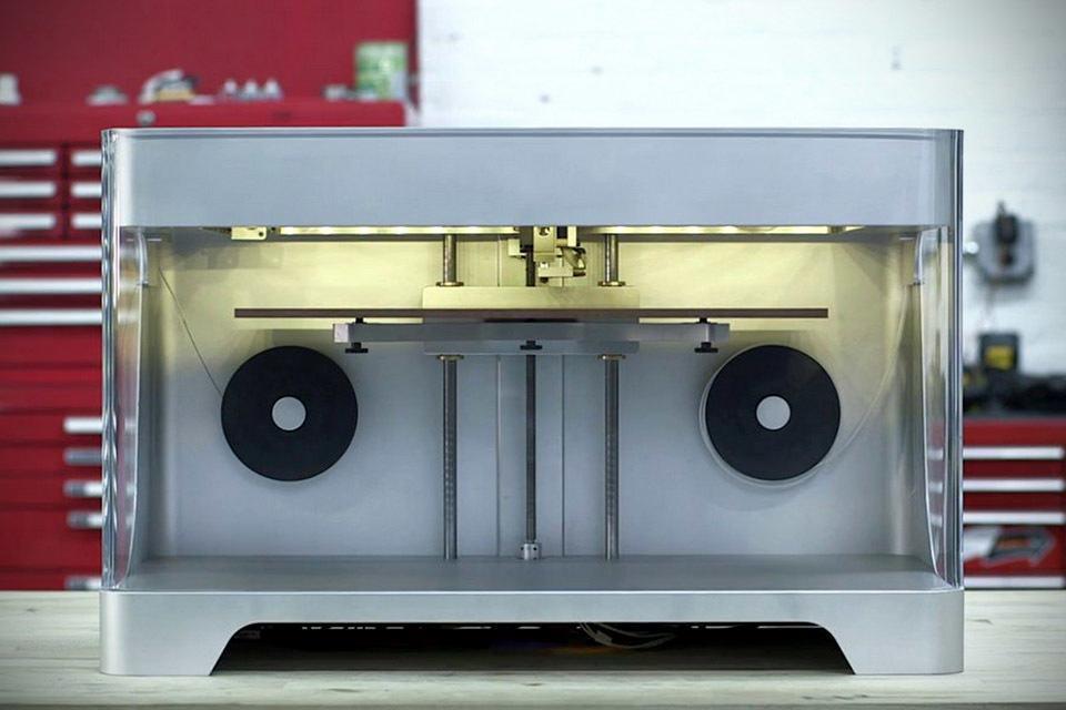 Новый 3D-принтер от MarkForged печатает из углеродного волокна