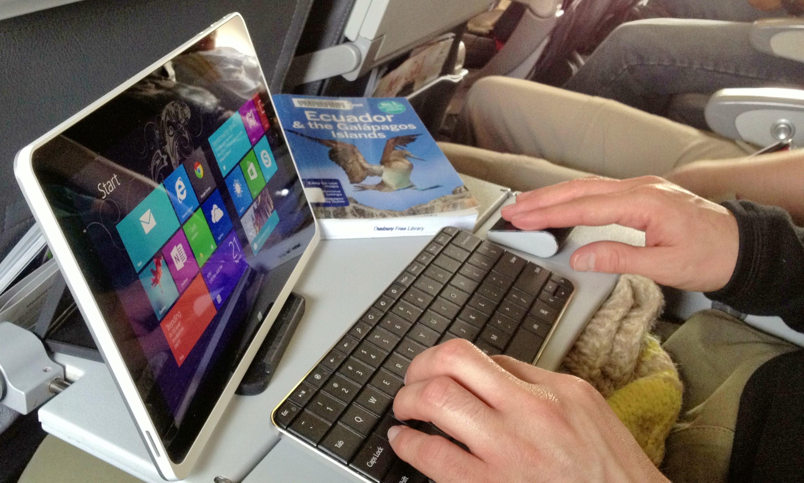 Что лучше выбрать: ноутбук или планшет. Эксперты советуют выбросить лэптоп и освоить iPad