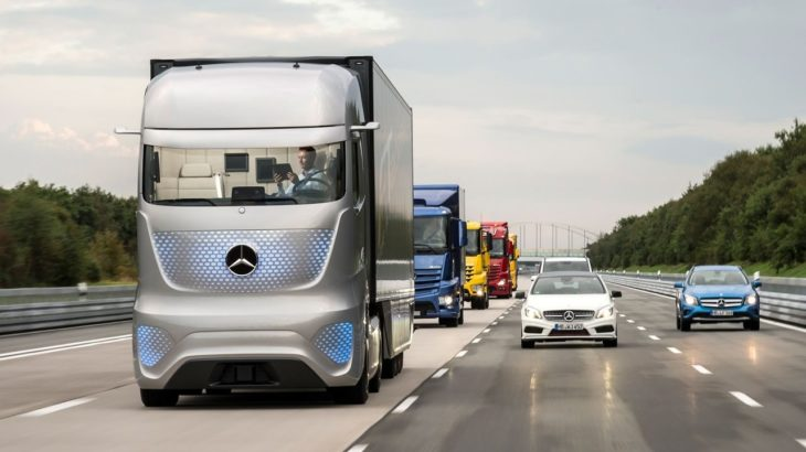Mercedes-Benz представил грузовик с автопилотом