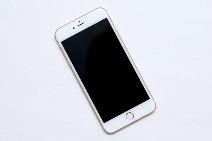 Apple iPhone 6 против Canon EOS 5D Mark III
