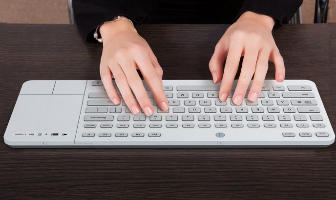 Jaasta E Ink Keyboard - первая клавиатура для компьютера с E-Ink кнопками