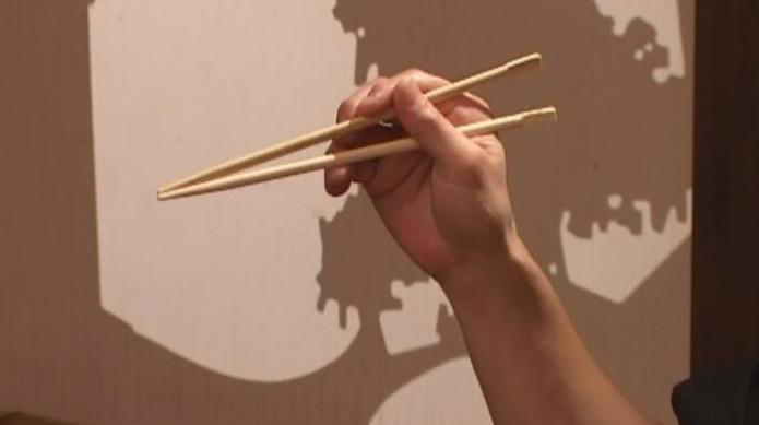 Как пользоваться палочками для суши