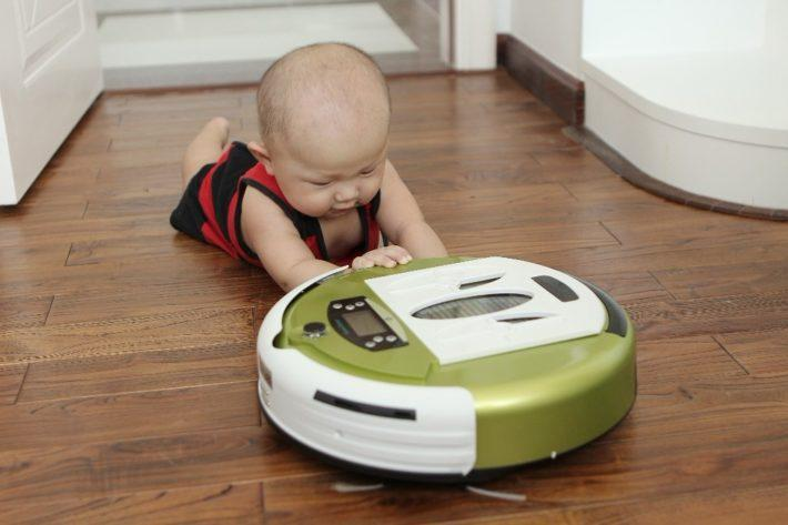 Безопасны ли роботы-пылесосы для детей?
