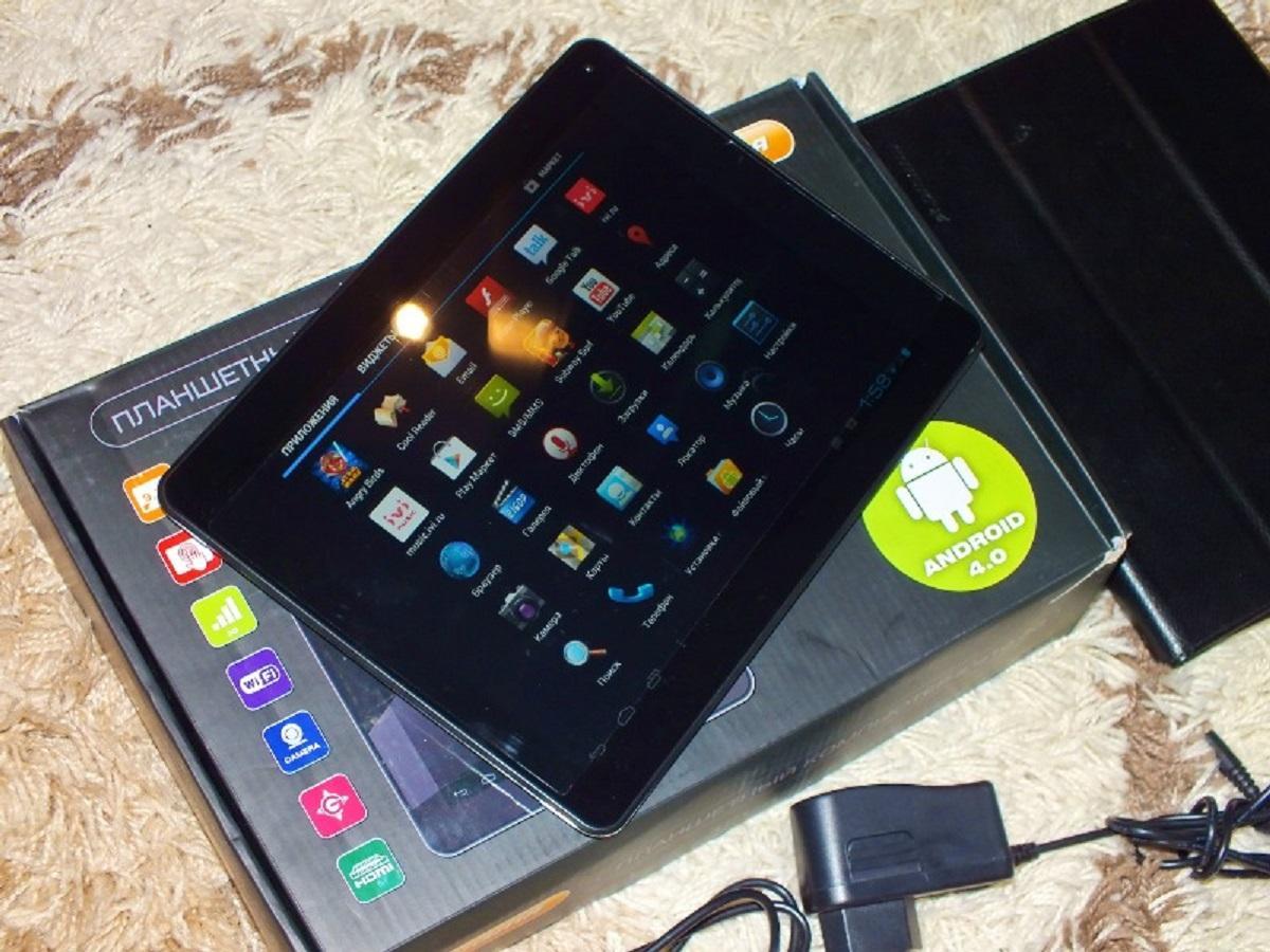 Лучшие планшеты с картой памяти: SD-карта, 2014 год