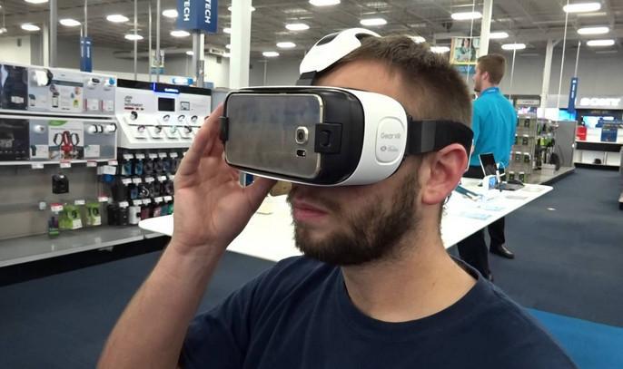 Магазины Best Bay предлагают опробовать Samsung Gear VR на себе