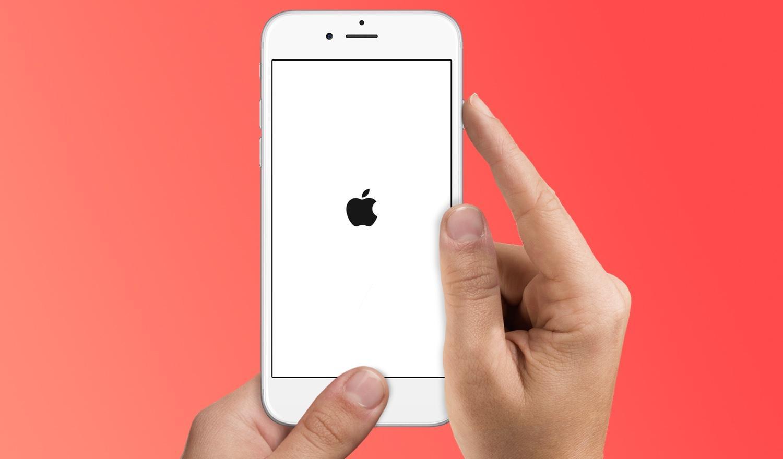Если iPhone сам выключается, но батарея не разряжена
