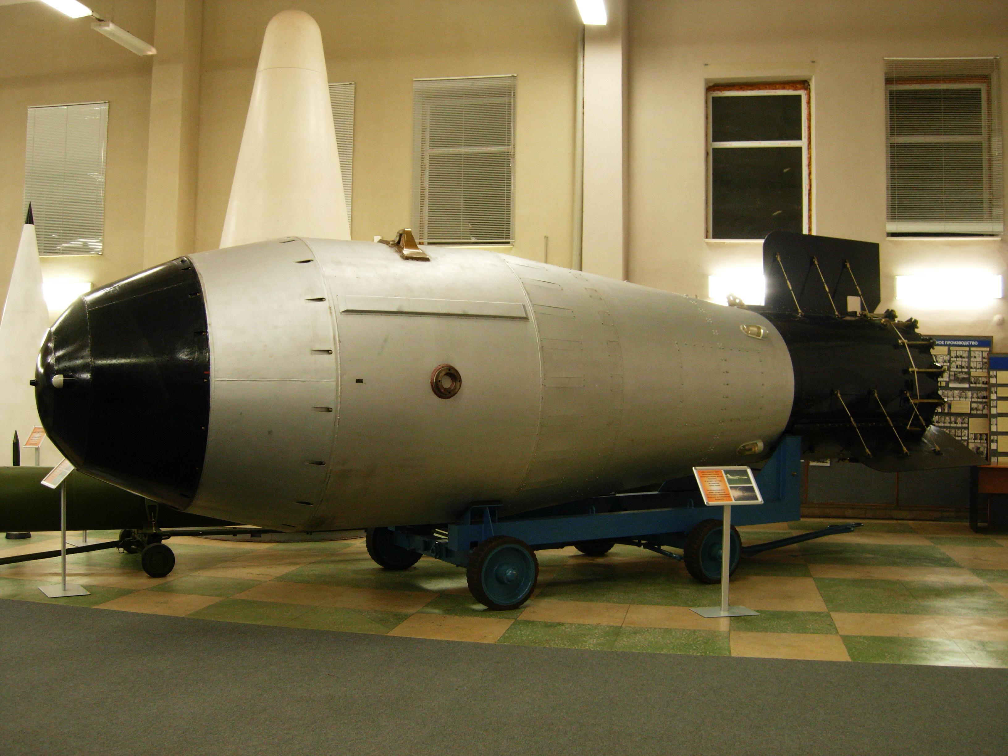 Аргентинский ученый из Лос-Аламоса пообещал создать 40 атомных бомб для Венесуэлы