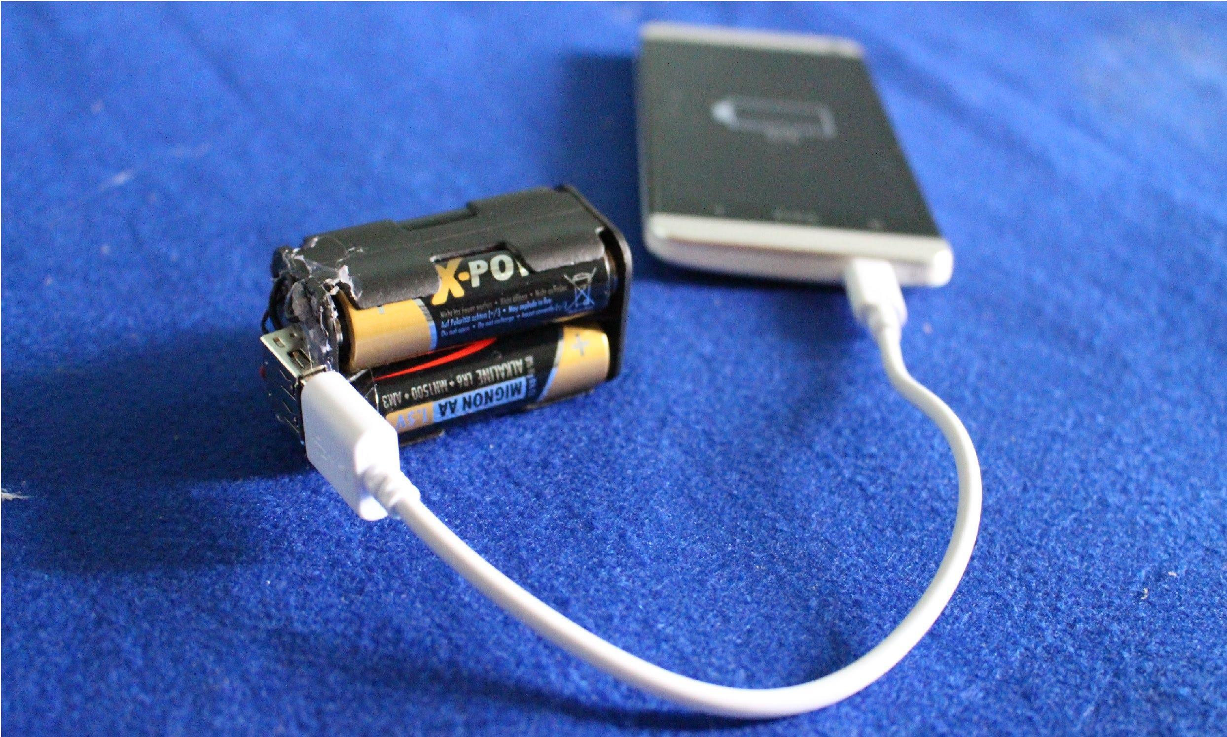 Как зарядить телефон от батареек: сам себе аккумулятор