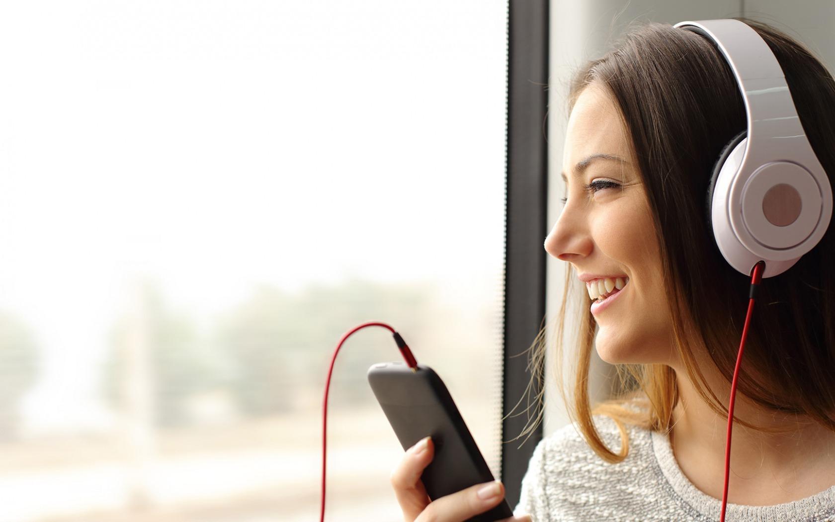 ВОЗ рекомендует слушать музыку не дольше одного часа в день
