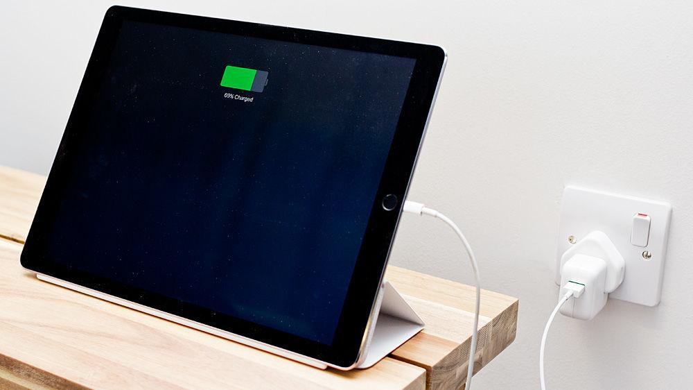 Как заряжать iPad