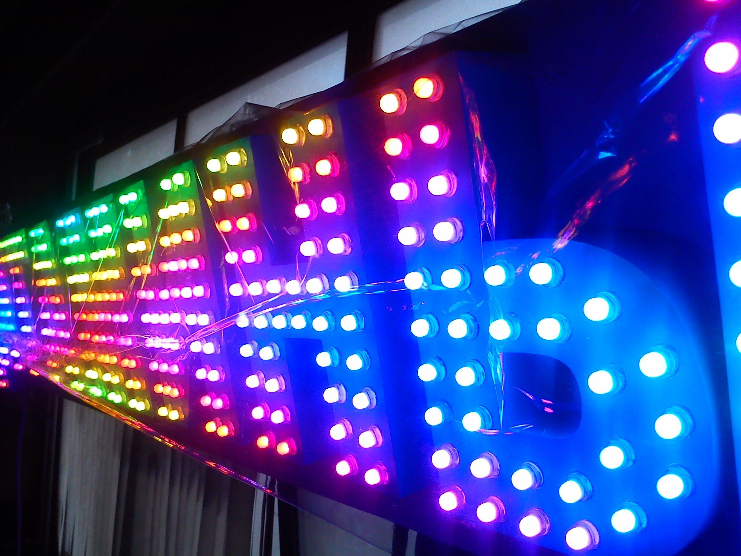 Светлое будущее светодиодных вывесок