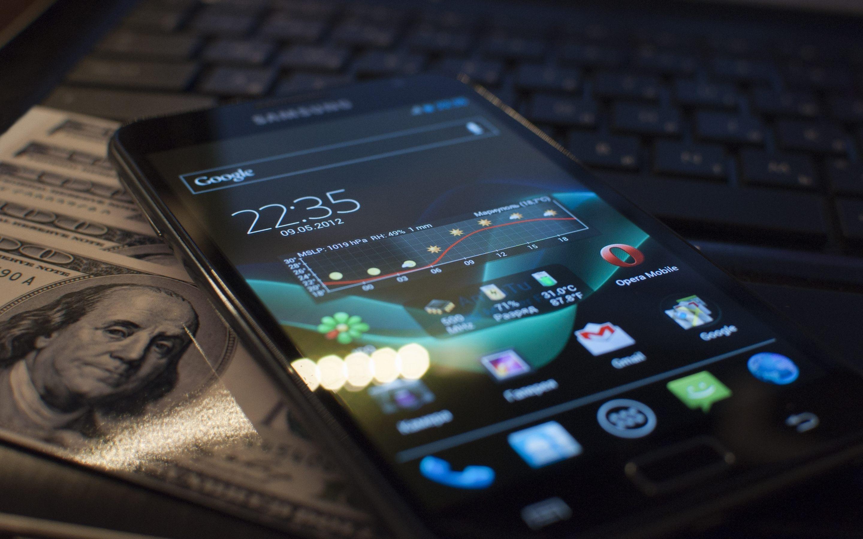 Чем отличается сенсорный телефон от смартфона