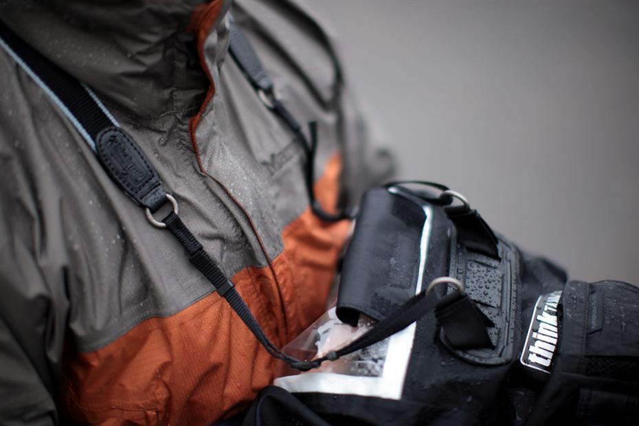 Защита фотоаппарата от дождя и снега: основные правила