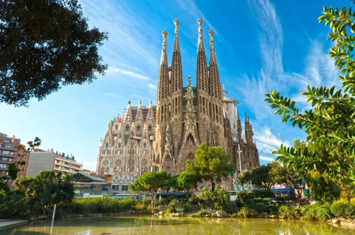 Где лучше остановиться в Барселоне на отдых - рекомендации сайта недвижимости Испании