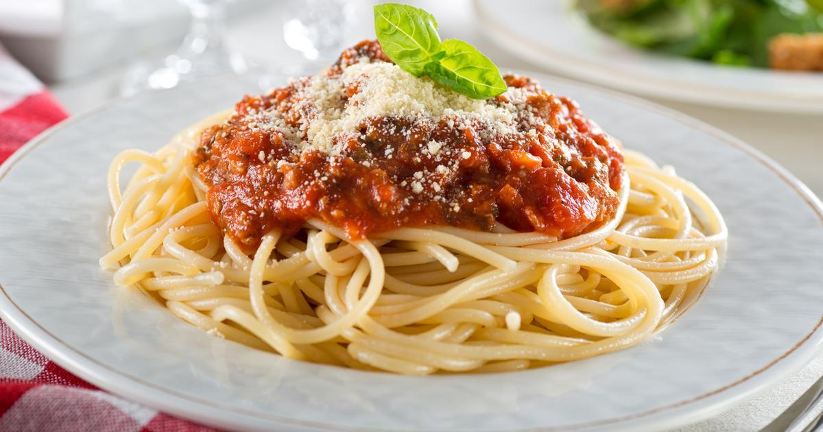 Популярные итальянские продукты питания: рецепт спагетти с томатной пастой