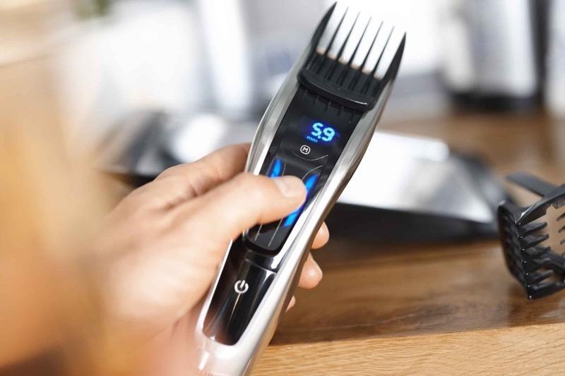 Машинка для стрижки волос – оптимальный вариант быстрого ухода за собой, позволяет делать короткие стрижки, ухаживать за бородой и усами