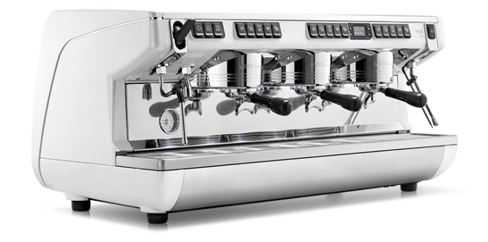 Профессиональная кофемашина для кофейни: основные особенности